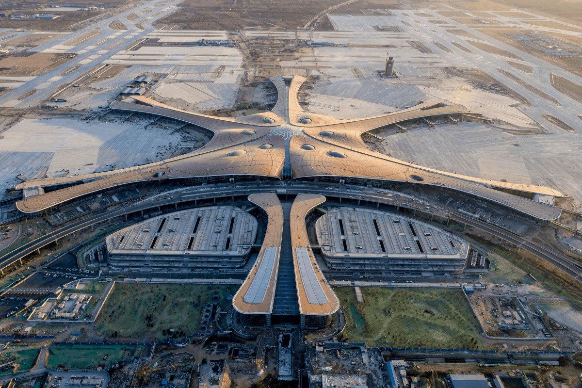 найбільший в світі аеропорт beijing daxing