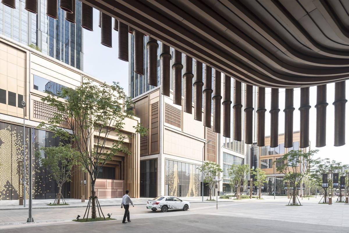 Фінансовий центр Бунд вигляд з фасаду культурного центру
