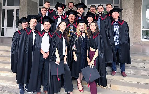 випускники кафедри будівельної механіки з спеціальності 192 будівництво та цивільна інженерія